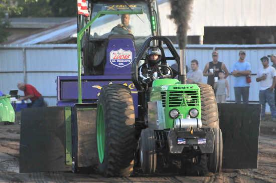 Local News: Tractor pull (8/2/11)   Fort Scott Tribune